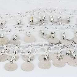 vit höftsjal med silvermynt4