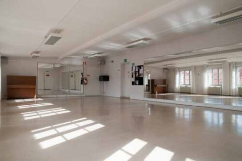 mirrored dance studio malmo