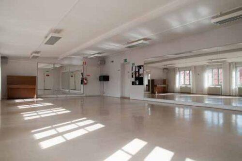 Vår nya danslokal till magdanskurserna